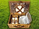 Набор для пикника на 4 персоны «Плетёная корзина 2712 Мёд»
